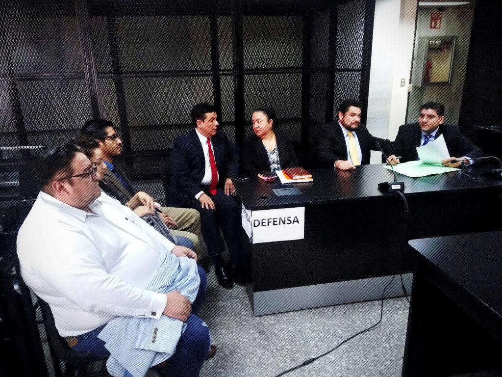 Condenan al magistrado de sala Erick Santiago de León