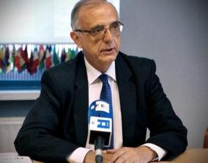 Comisionado conversa con agencia EFE