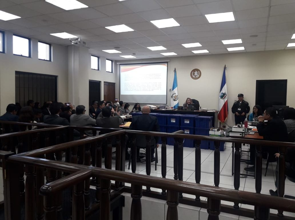 Former mayor Jorge Barrientos and other 13 people are accused in a case of corruption in Quetzaltenango