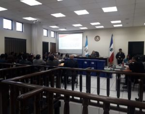 Former mayor Jorge Barrientos and other 13 people are accused in a case of corruption in Quetzaltenango.